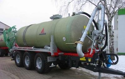 Жидкие составы перевозятся в специальных цистернах